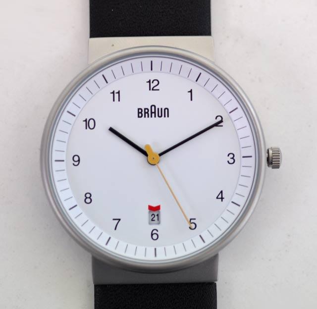 ブラウンの時計、白BNH0032WHSLMHG