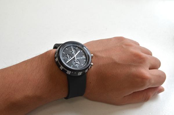 イッセイミヤケの時計トラペゾイドの着け心地