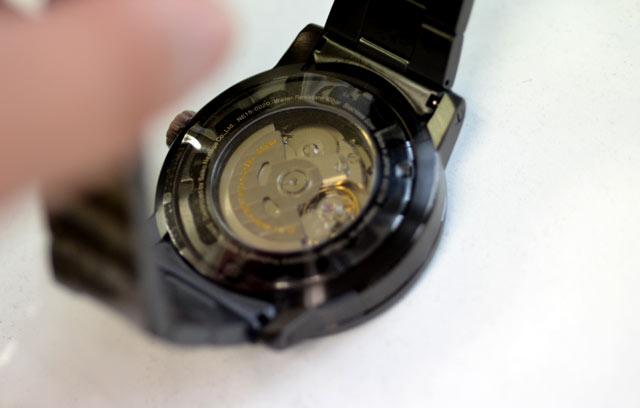 イッセイミヤケの機械式時計TOのムーブメント
