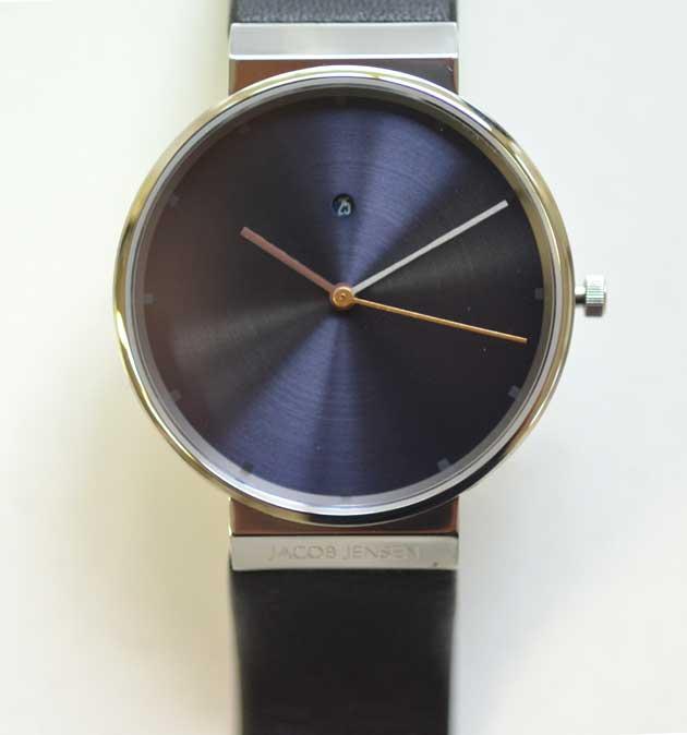 Jacob Jensenヤコブ イェンセンの腕時計Dimensionsの文字盤
