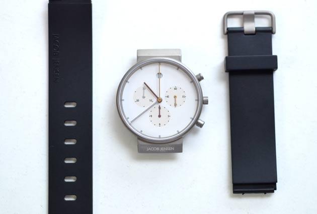 ヤコブイェンセンの腕時計ベルトの外し方