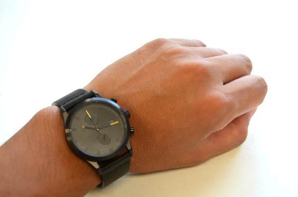 トリワの腕時計ブラックSort of Blackの付け心地