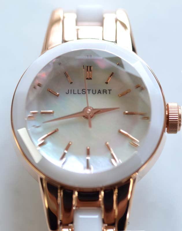 JILL STUART.ジル スチュアートの腕時計セラミックのアップ写真