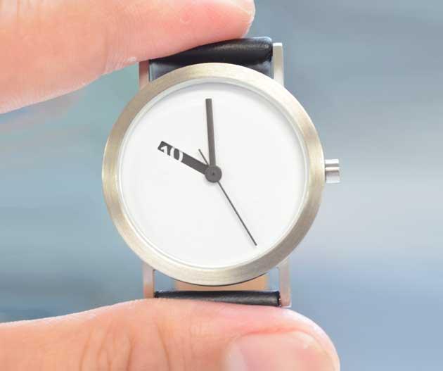 シンプルな腕時計ノーマルタイムピーシーズの評価