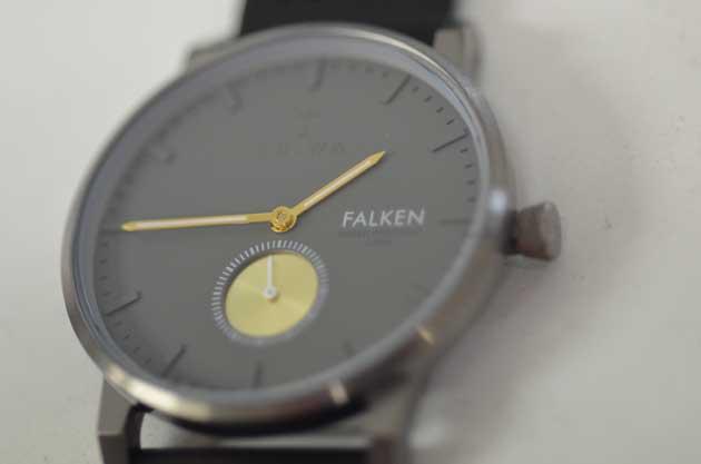 トリワの時計FALKENブラック