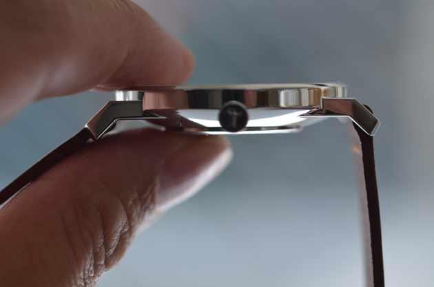 トリワTRIWAの時計FALKENファルケンの薄さ