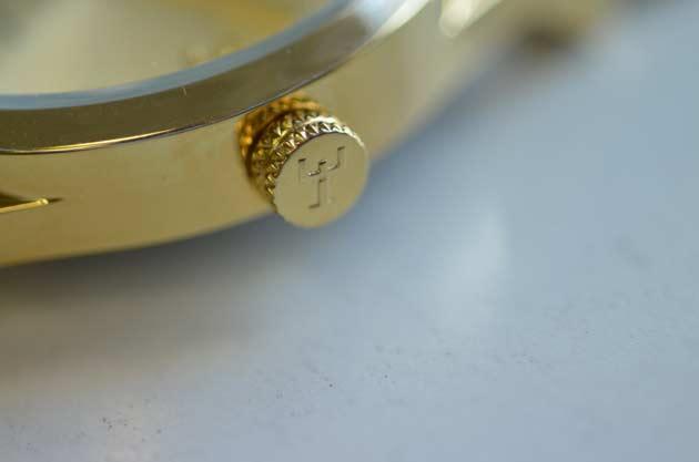 TRIWAトリワの時計ライセン金色ゴールドの評価