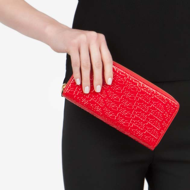 フォリフォリの赤の財布おすすめ