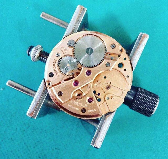 和歌山県で時計のオーバーホールがおすすめの一級時計修理技能士がいる修理工房