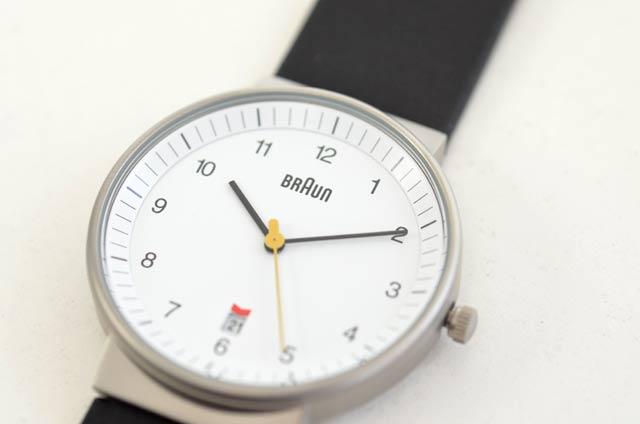 ブラウンの時計、ドイツ、白