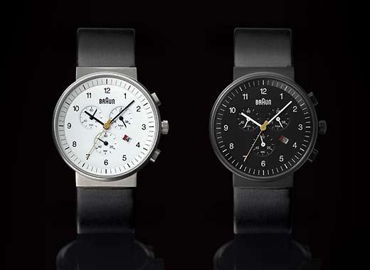ブラウンの時計クロノグラフ白と黒