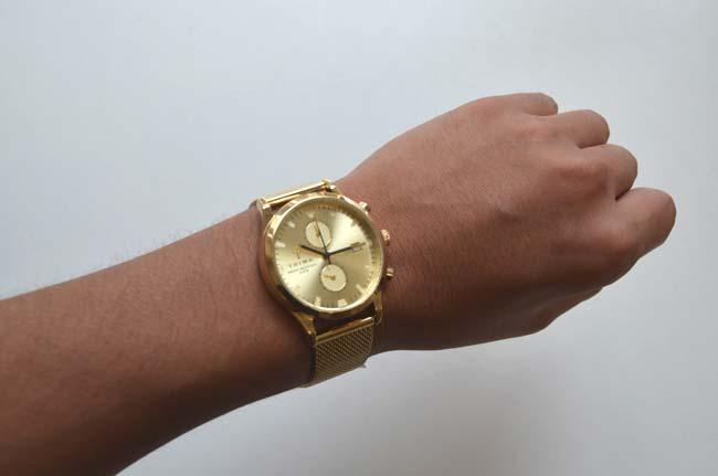 TORIWAのゴールドの時計SORT of BLACK評価