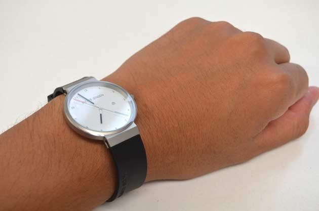手首が細い人の腕時計の