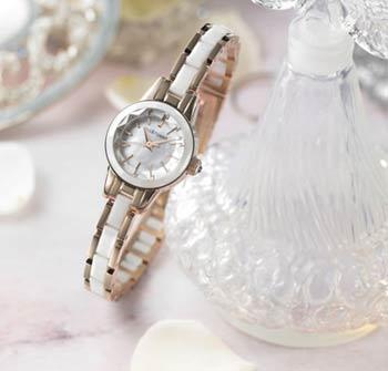 芸能人が愛用ジルスチュアートの時計セラミック