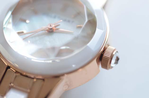 JILL STUART.ジル スチュアートの腕時計セラミックのカット面