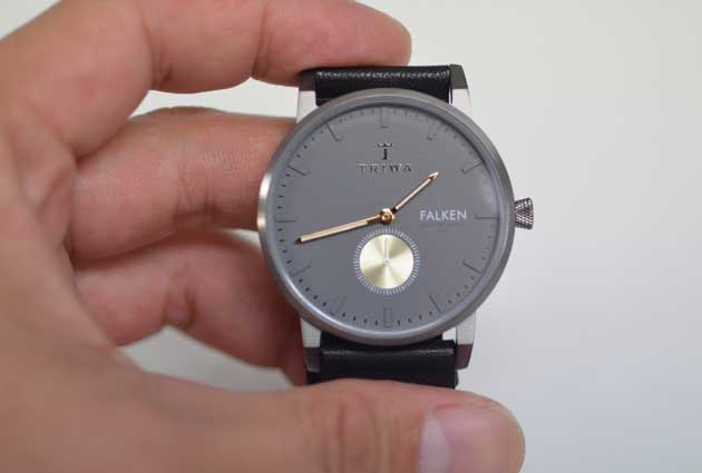 トリワTORIWAの時計FALKENブラック