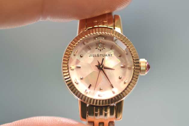 ジルスチュアートの2015 クリスマス 300本限定モデルの時計レビュー