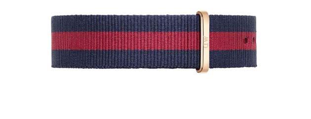 ダニエルウェリントンのベルトの色、赤色オックスフォード