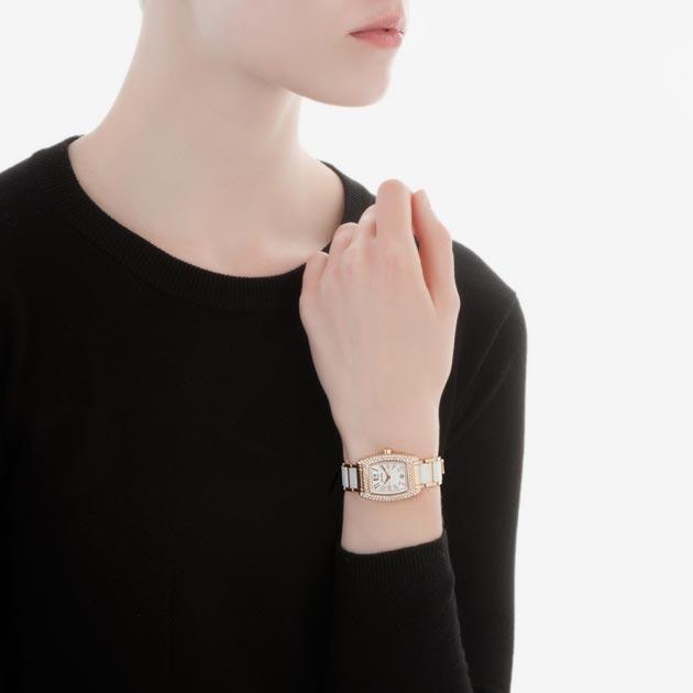 フォリフォリの時計人気