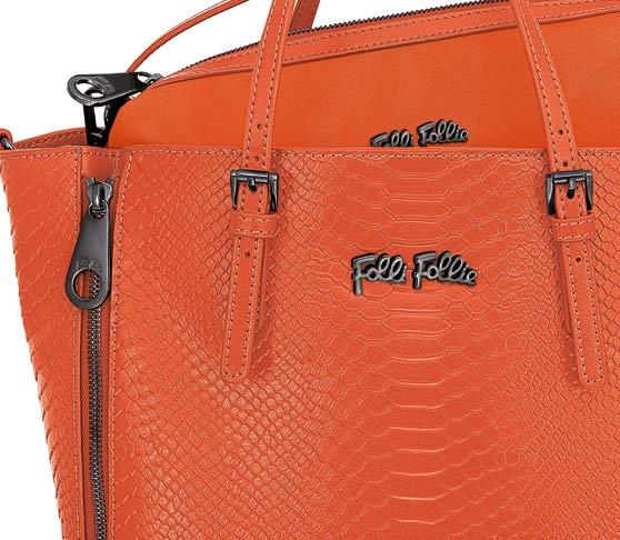 フォリフォリの人気オレンジ バッグ