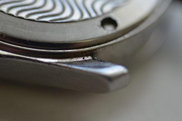 時計の裏蓋とケースの錆