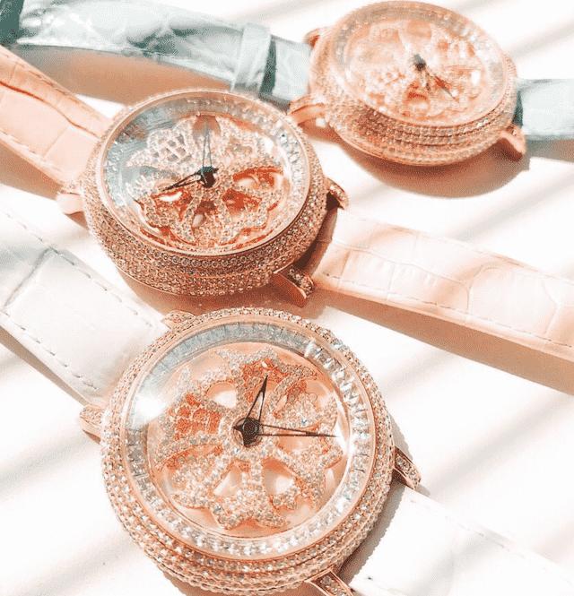 ブリラミコのアース、ピンク、水色、ホワイト