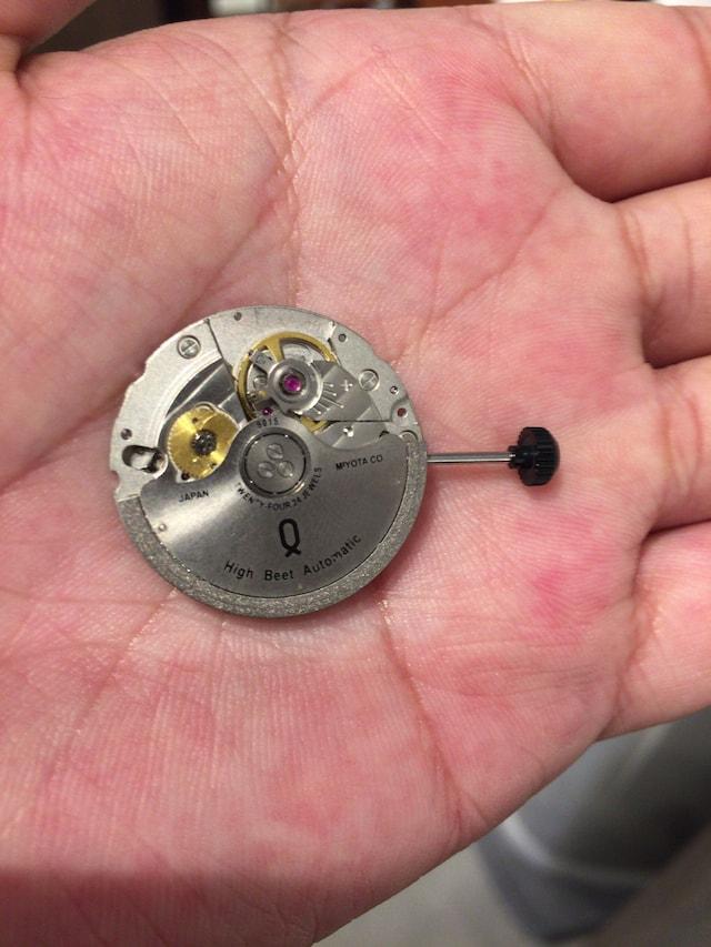 ノット機械式時計オートマチックのムーブメント