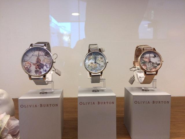 オリビアバートン 花柄時計