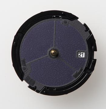 ノットのチタニウムソーラー時計のソーラー電池