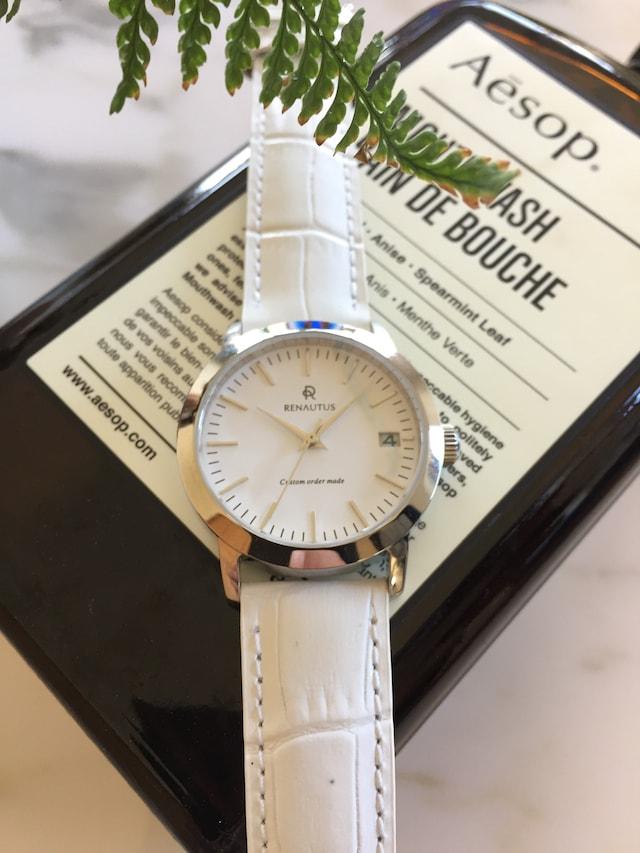 ルノータスの時計ベーシック白