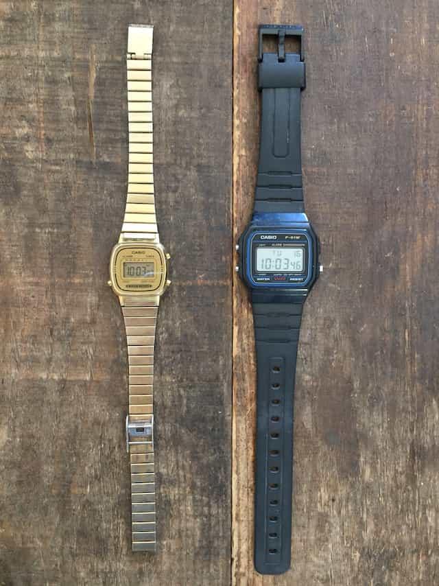 チープカシオ2種類の時計を比較