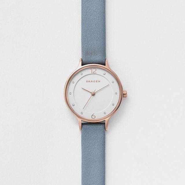 スカーゲンのアニタ、ピンクゴールドと白文字盤の時計