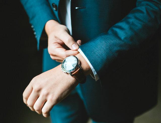 社会人に時計