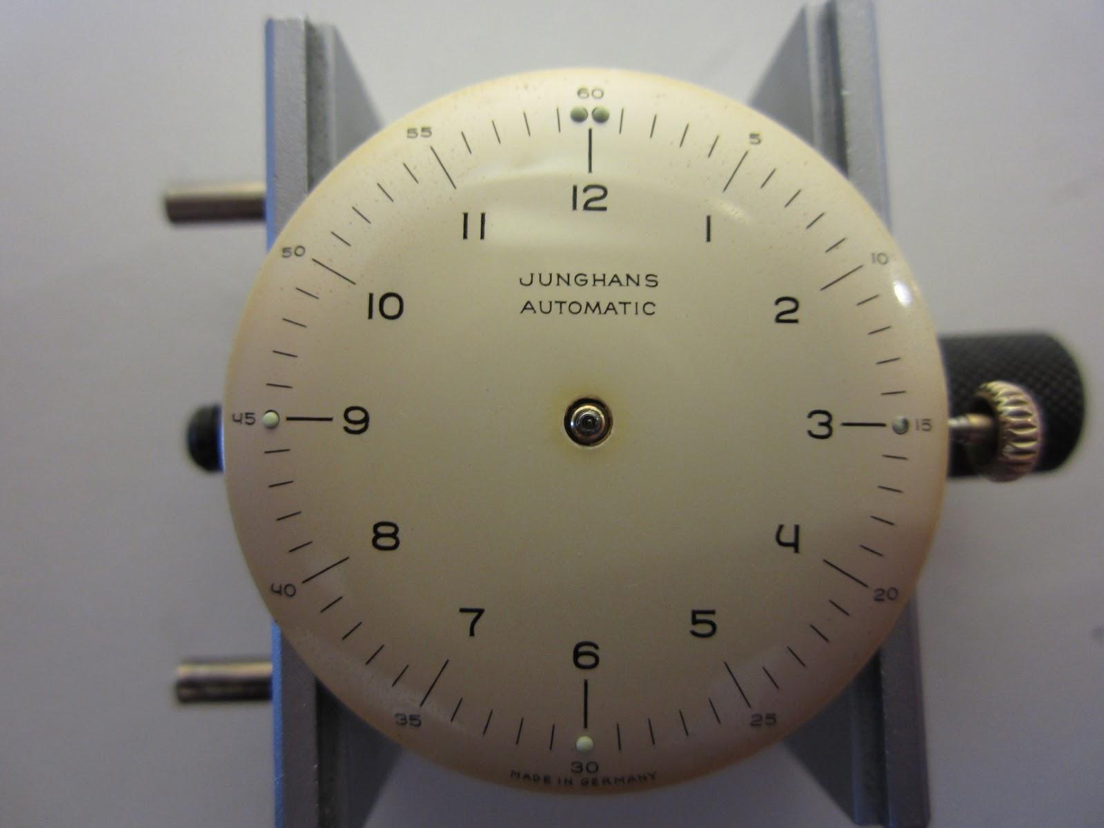 ユンハンス、の文字盤