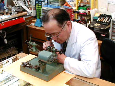 秋田で時計のオーバーホールを行なっているオカベ時計店