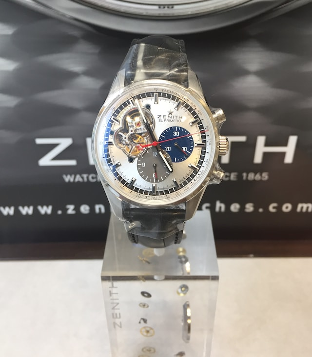 best website 9d8be eaa6d ゼニス(ZENITH)の時計のオーバーホールが正規より安くて ...