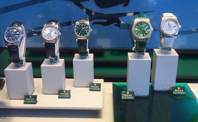 ロレックスやオメガの並行輸入品の時計は偽物なの?なぜ安い?