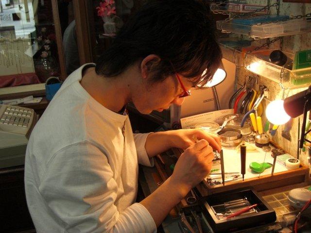 富山県で時計のオーバーホールや修理を行っていアサジ時計