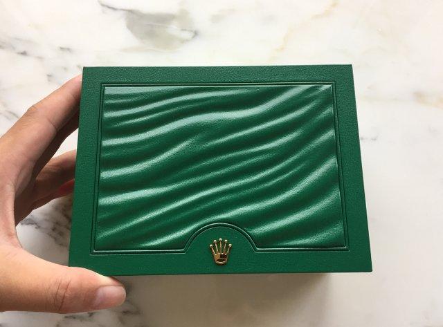 ロレクスの新品ボックス、グリーン緑箱
