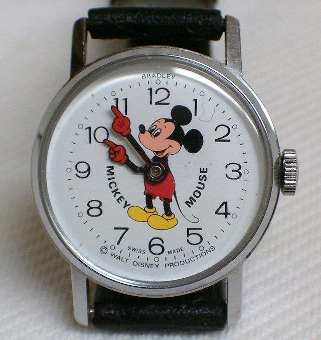 機械式手巻き時計ミッキー