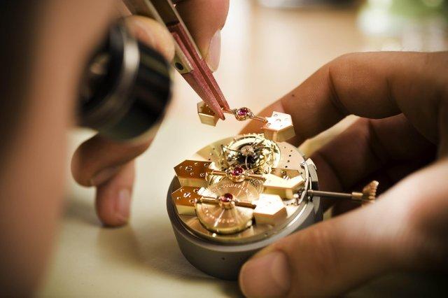 メーカー?修理業者?時計のオーバーホールで失敗しない選び方やポイント