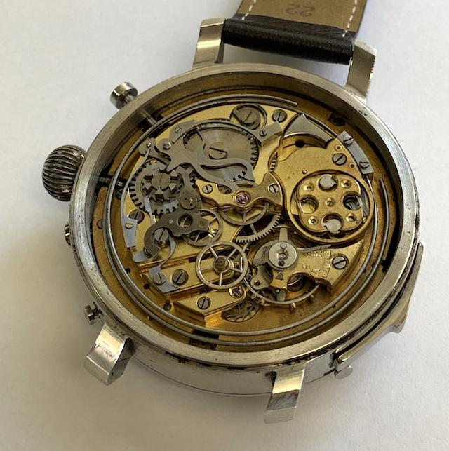 機械式時計は不便なのになぜ絶滅しないのか?歴史と共に詳しく説明します。
