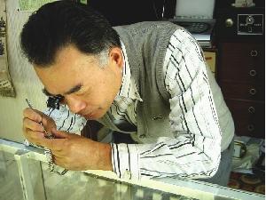 佐賀県で時計の修理やオーバーホールが依頼できる杉時計店