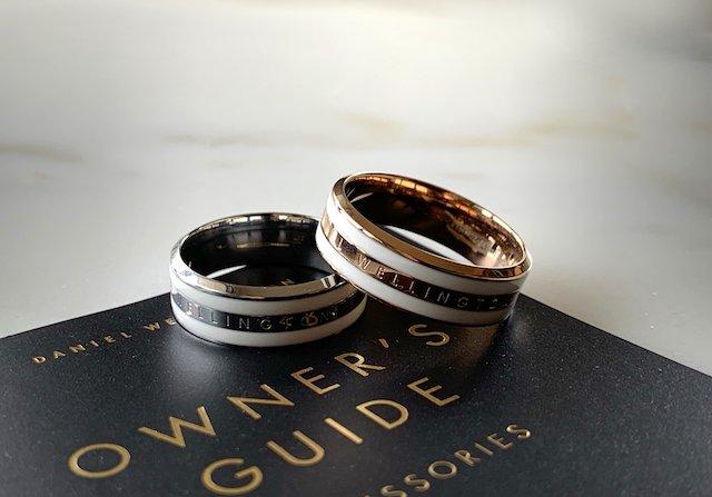 ダニエルウェリントンのゴールドの指輪とシルバーの指輪