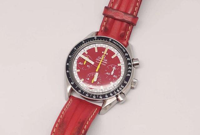 オメガのスピードマスターシューマッハモデル赤のオーバーホール、新宿オーバーコイル