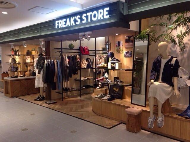 新宿ダニエルウェリントンfreaks-store