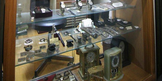 神田で時計のオーバーホールや修理を行なっている神田堂