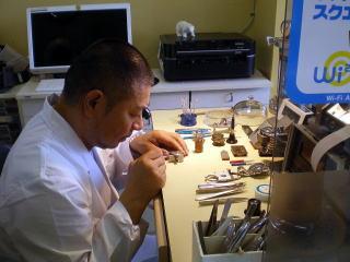 宇都宮で時計のオーバーホールや修理を行なっているク井時計宝飾