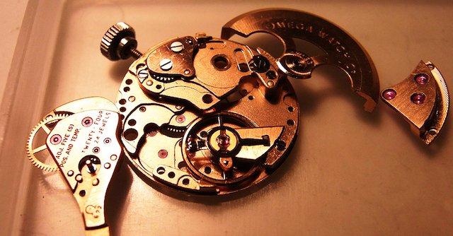 明石市で時計のオーバーホールや修理を行なっている亀屋