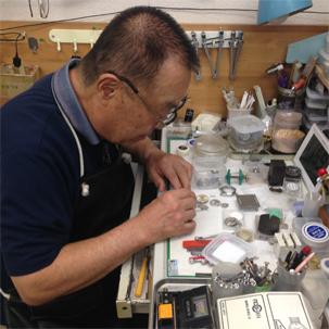武蔵小杉時計のオーバーホールや修理のベルボン